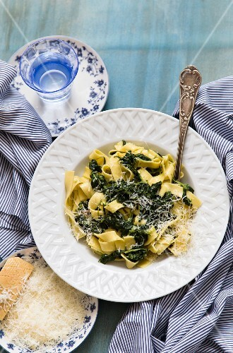 Tagliatelle with spinach and Parmesan cheese