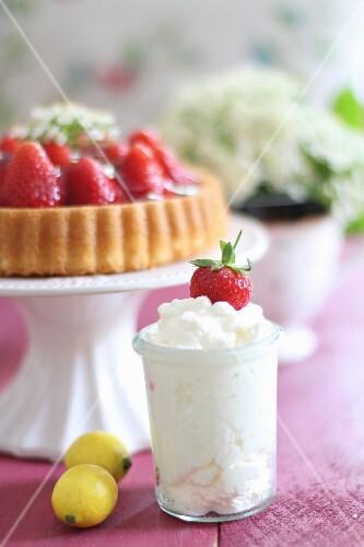 Cream for strawberry cake