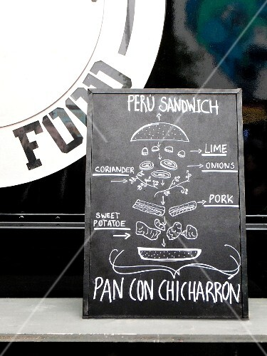 A sign advertising A Peru Sandwich at a food truck market (Hamburg)