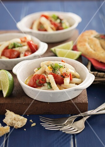 Calamari with tomatoes and chilli peppers