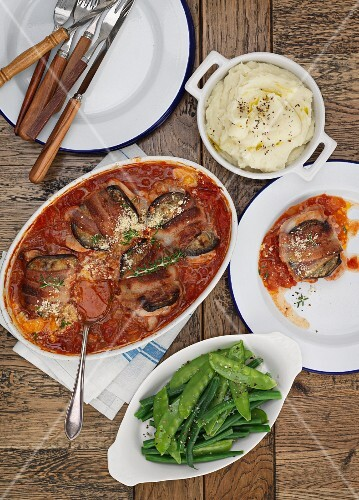 Provençal chicken with aubergines and tomato sauce