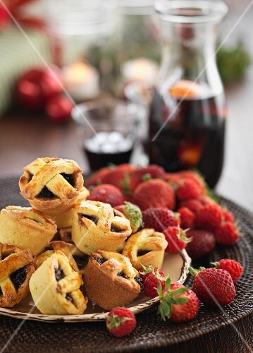 Mince pies and fresh strawberries