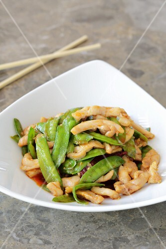 Chicken with mange tout (Asia)
