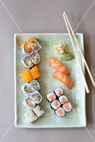 A sushi platter with ginger and wasabi (seen from above)