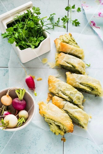 Strudel with watercress pesto and radishes