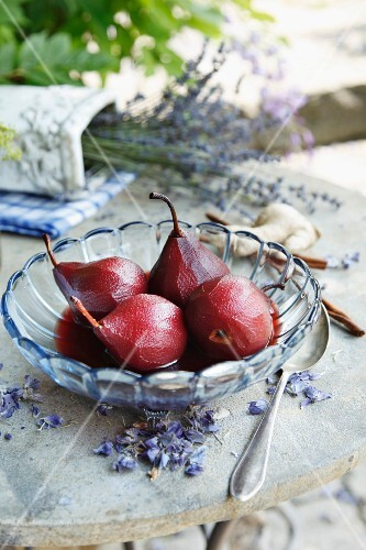 Ginger pears in red wine