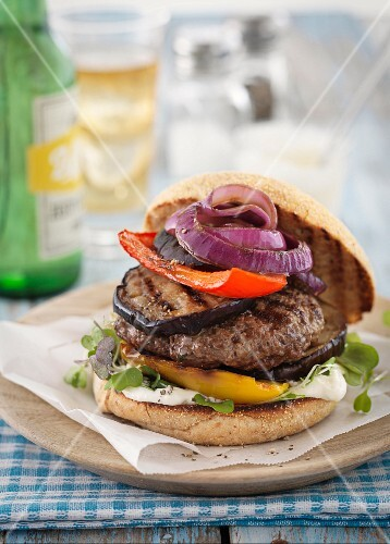 Lamb burger with grilled vegetables