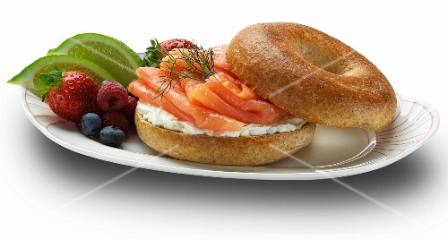 Bagel with cream cheese, gravd lax and fruit