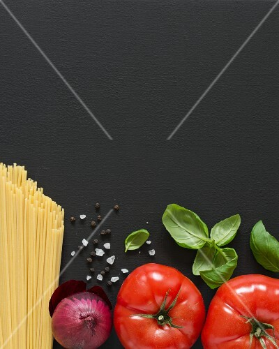Ingredients for spaghetti with tomato sauce