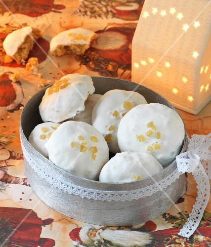 Spiced biscuits with sugar glaze