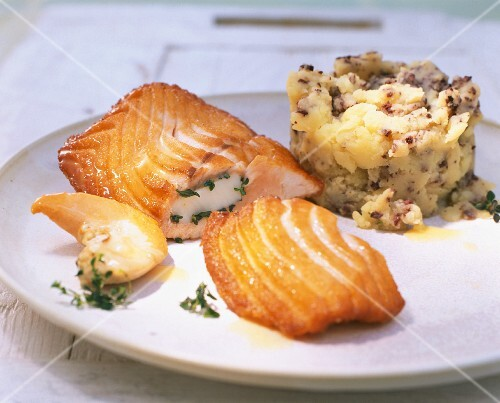 Salmon fillets with scallops