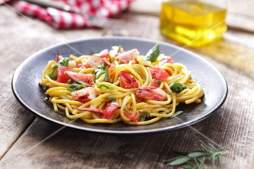 Spaghetti with lobster and green asparagus
