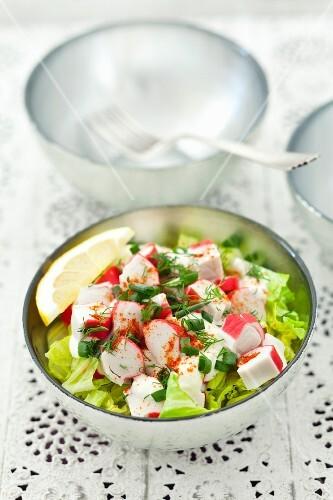 Cos lettuce with surimi in a horseradish cream sauce