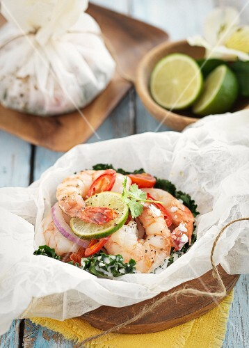 Prawns with chilli in parchment paper