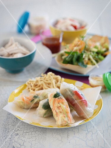 Rice paper rolls with noodles
