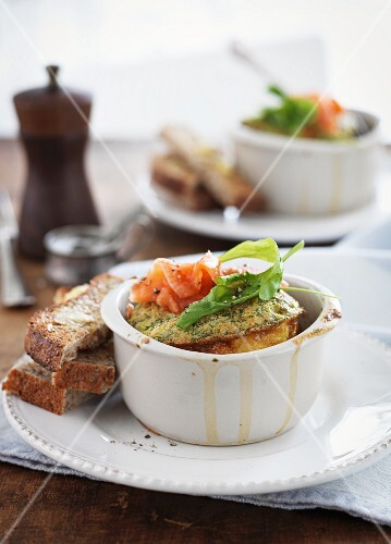 Oven-baked salmon and dill omelette