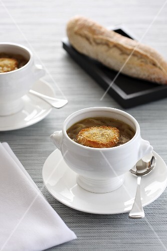Onion soup with crispy baguette