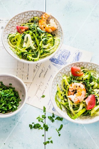 Marinated courgettes with prawns