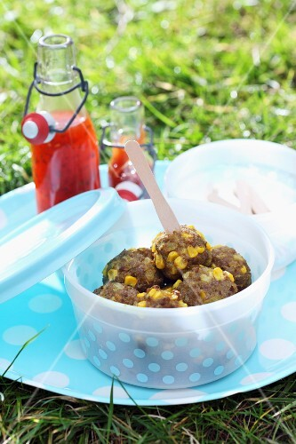 Meatballs with sweetcorn for a picnic