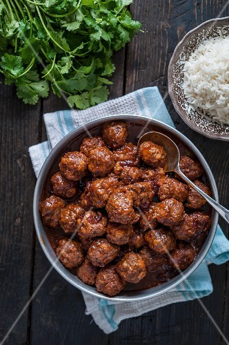 Spicy meatballs with rice (seen from above)