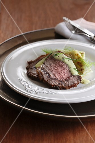 Entrecote with Bernaise sauce and roasted fennel