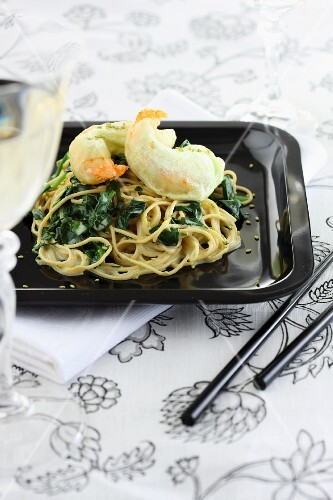 Noodles with fried battered prawns