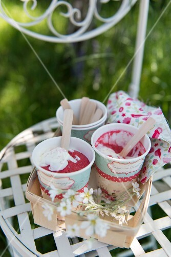 Raspberry mousse in paper cups