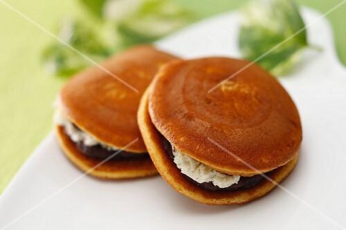 Dorayaki (Japanese sweets)