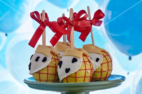 Cake pops for a children's birthday party