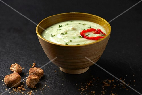 Cauliflower and coconut milk soup with coriander and almond croutons (Paleo diet)