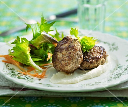 Meatballs with a lettuce leaf