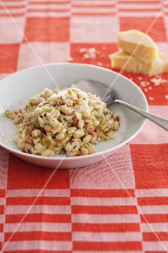 Bean risotto with Parmesan cheese