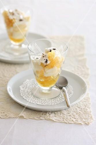 Pear desserts with cream
