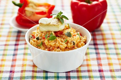 Pepper risotto with fried goat's cheese