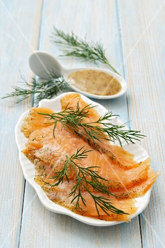 Gravad lax with mustard sauce and dill