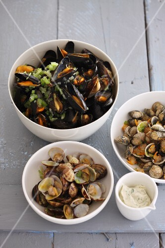 Mussels with tarragon mayonnaise