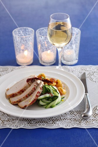 Roast turkey with a tomato crust and courgette