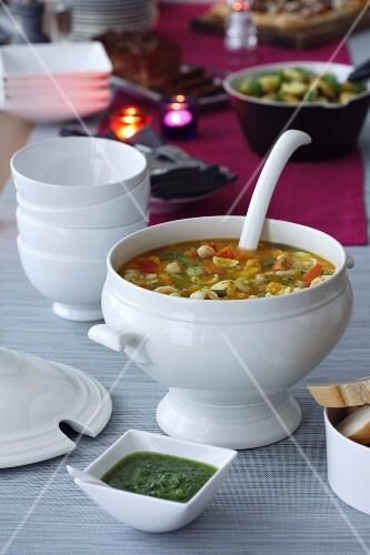 Soupe au pistou (vegetable stew with basil pesto, France)