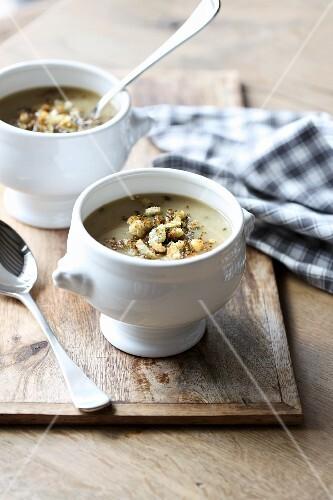 Creamy onion soup
