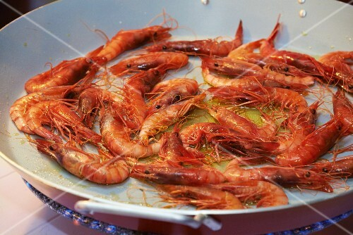 Gambas de Palamos (prawns fried in olive oil, Spain)