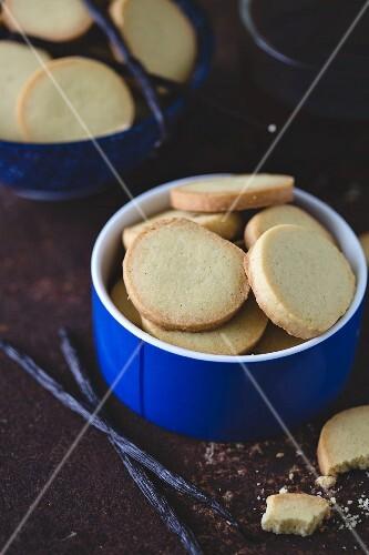 Vanille-Butterplätzchen in Gebäckschale