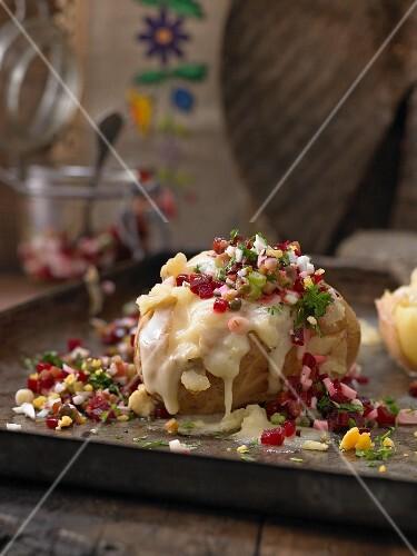 Ofenkartoffel mit Käse und Roter Bete