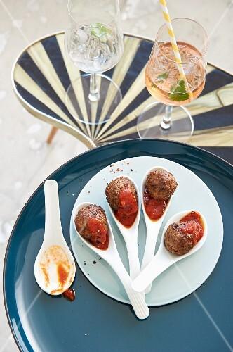Steak balls with a chilli dip