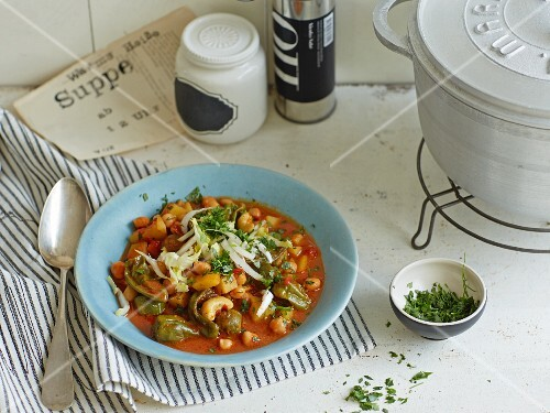 Vegan chickpea stew with ajvar