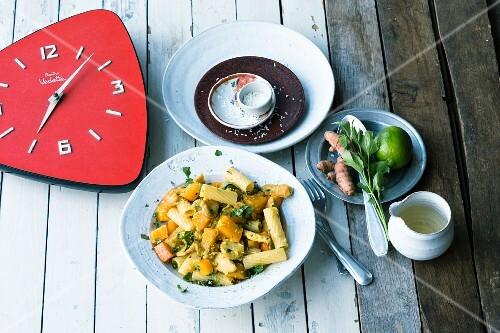 Tortiglioni with chicken, turmeric and pumpkin
