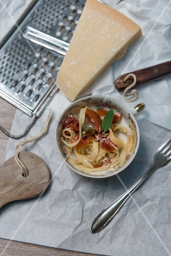 Tagliatelle with tomato ragout, sage and Parmesan cheese