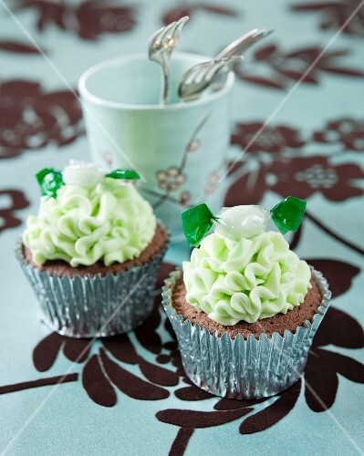 Chocolate cupcakes with mint frosting and mint bonbons