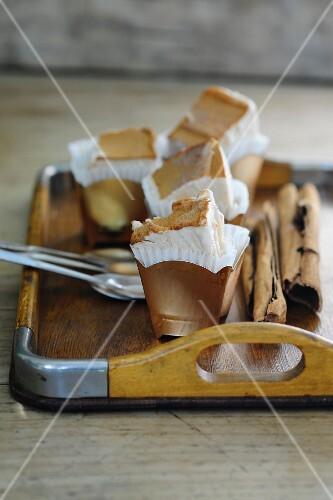 Cinnamon ice cream cake in paper cases
