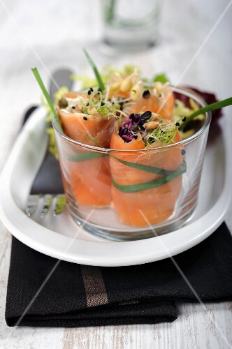 Salmon rolls filled with cream cheese and bean sprouts