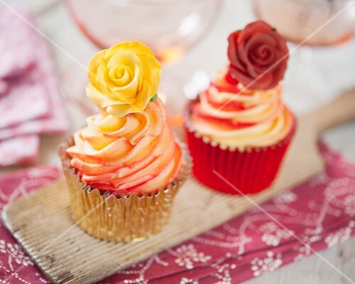 Rose cupcakes in red and yellow